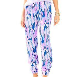 """Lilly Pulitzer - 28"""" Saffron Printed Pant - Size 2"""